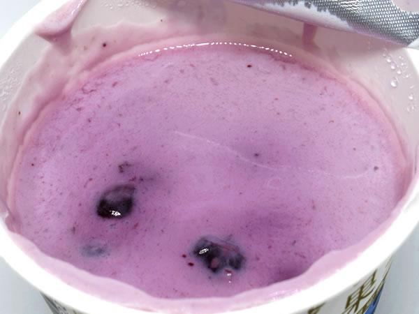 ぜいたく果実どっさりブルーベリー&ヨーグルト